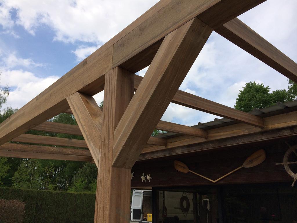Skb construct kraanwerken en dakwerken hellende daken - Pergola met dak ...